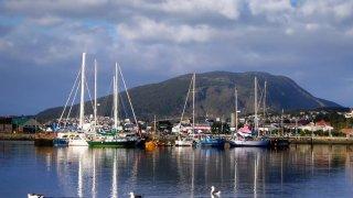 port d'ushuaia en terre de feu argentine - voyage terra argentina